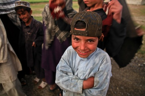 afghani_child_laughing_poor_dirty_poverty_happy_people-1143265.jpg!s